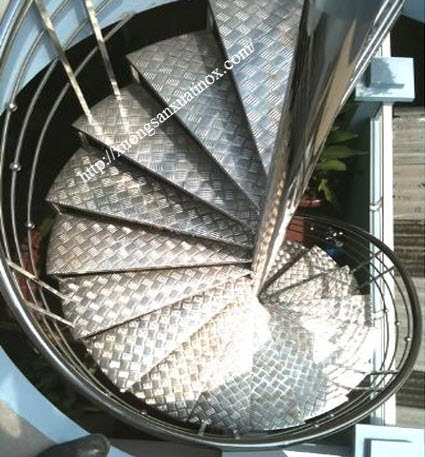 Báo giá cầu thang inox
