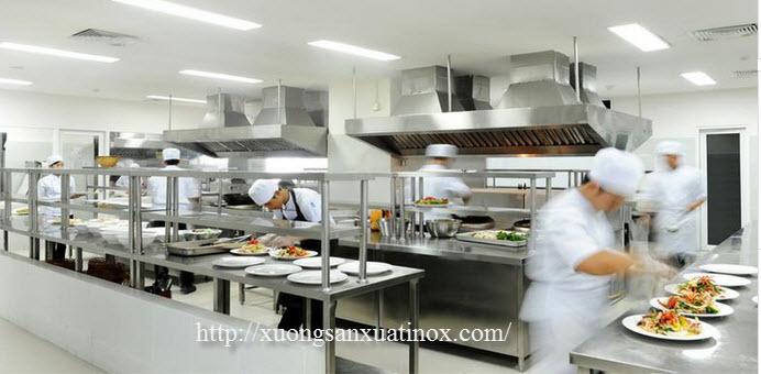 bếp inox khách sạn