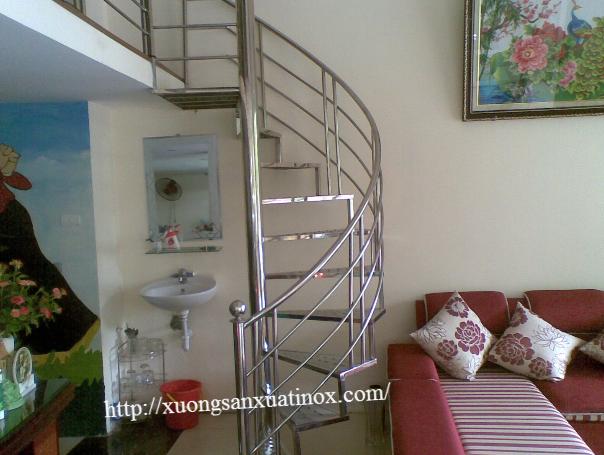Cầu thang tay vịn inox