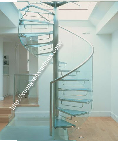 Cầu thang xoay inox