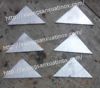 Tam giác inox