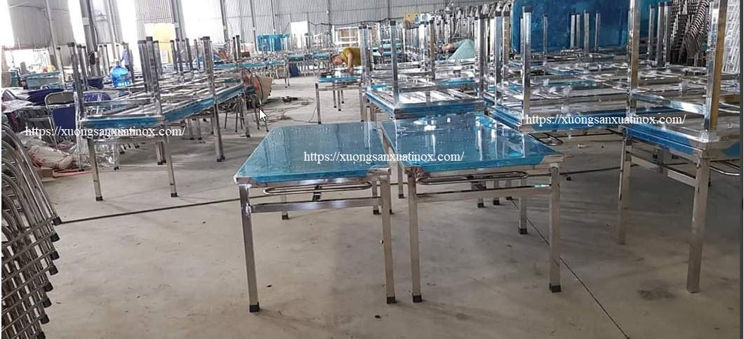 xuỏng sản xuất bàn nghế inox