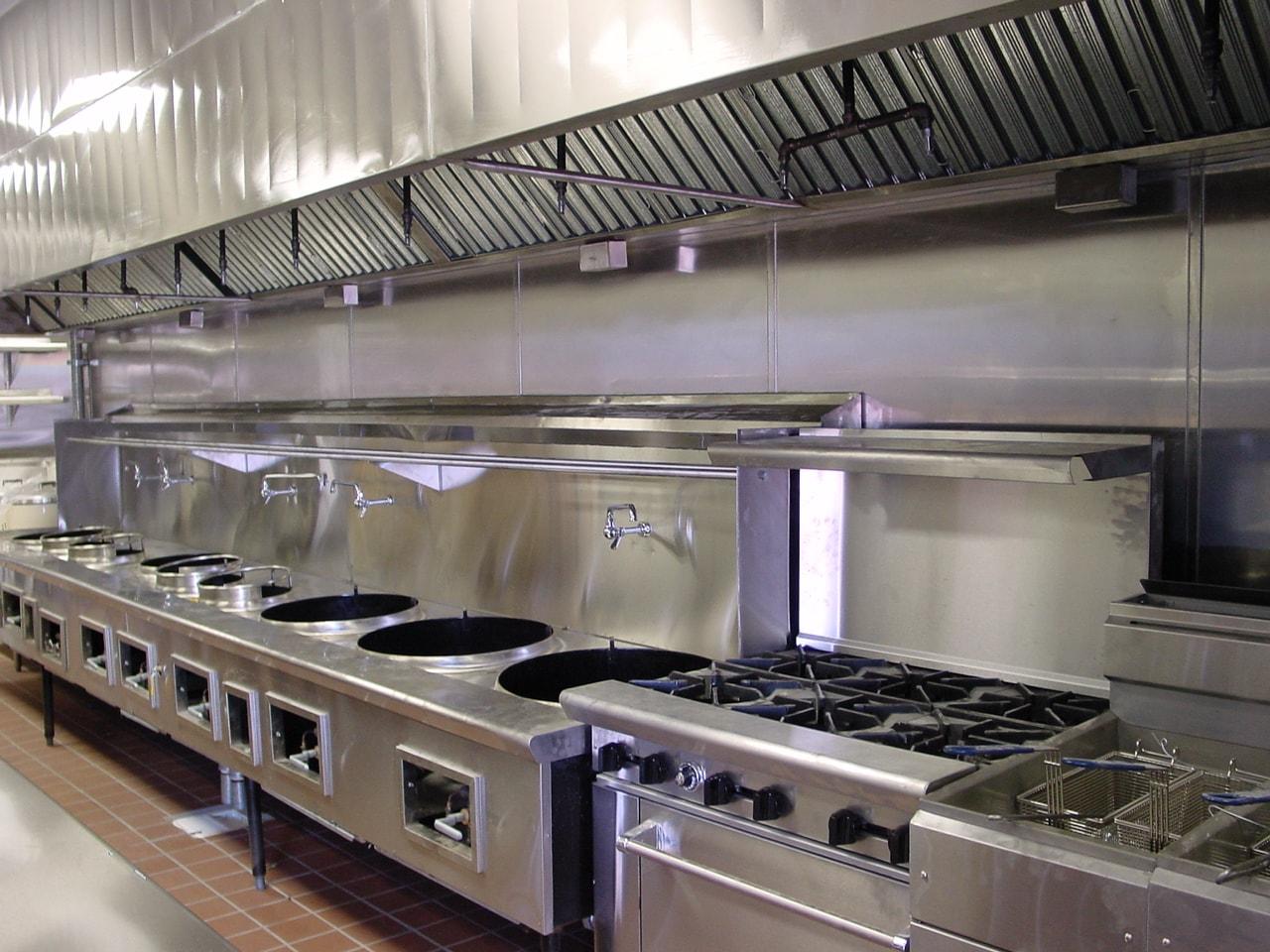Bếp ga công nghiệp được sử dụng rộng rãi tại nhà bếp các nhà hàng