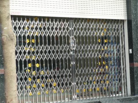 Quy trình lắp đặt cửa xếp inox tại Hà Nội